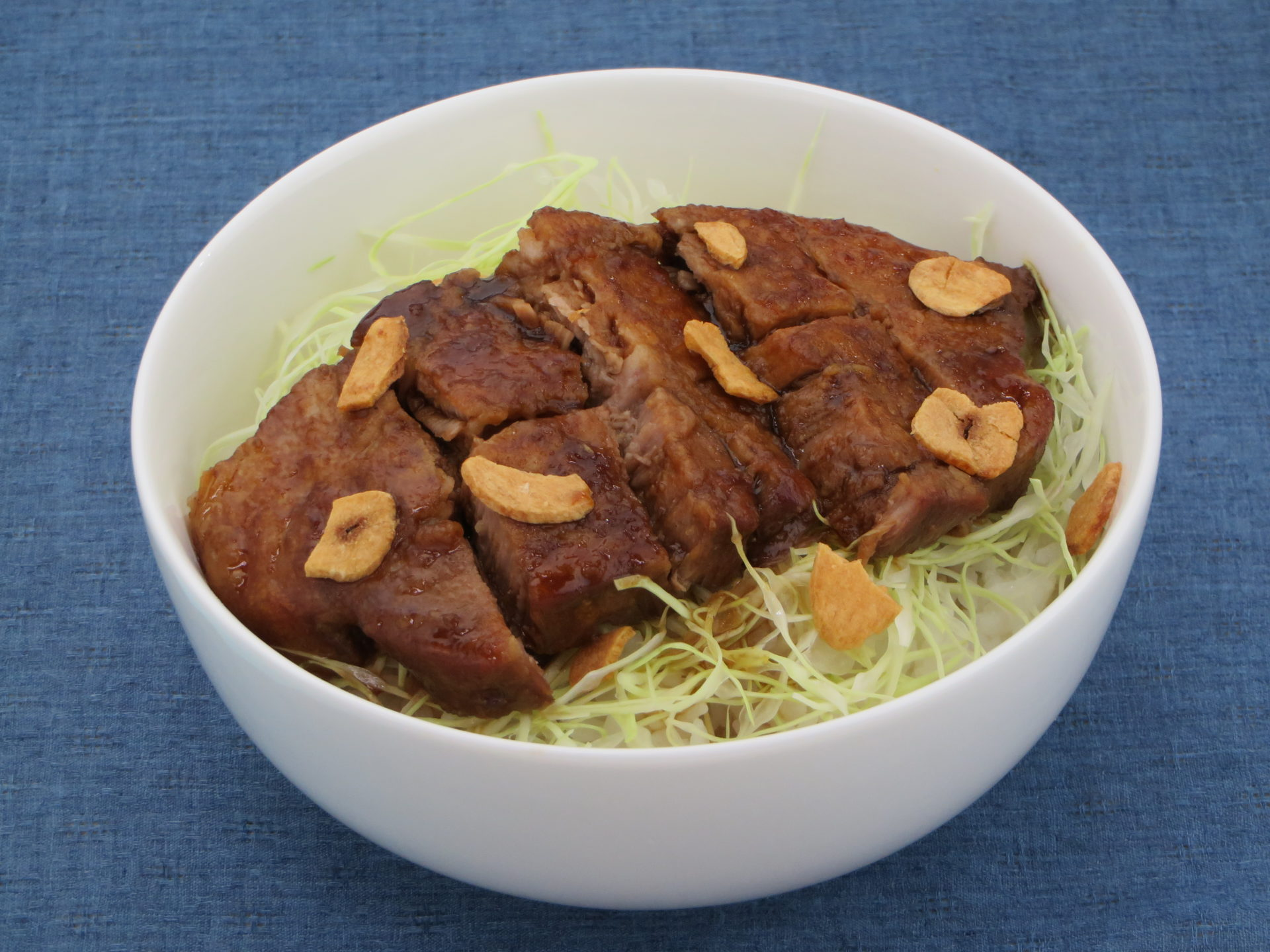 豚テキ丼【日本】