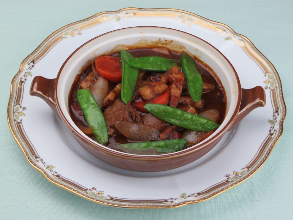 Daube de bœuf  en Casserole de terre(牛肉の土鍋煮込み(ドーブ))