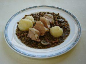 塩漬け豚バラ肉のレンズ豆煮込み