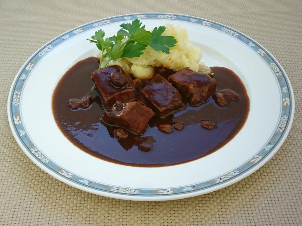 Langue de bœuf braisèe(牛タンシチュー【フランス全土】)