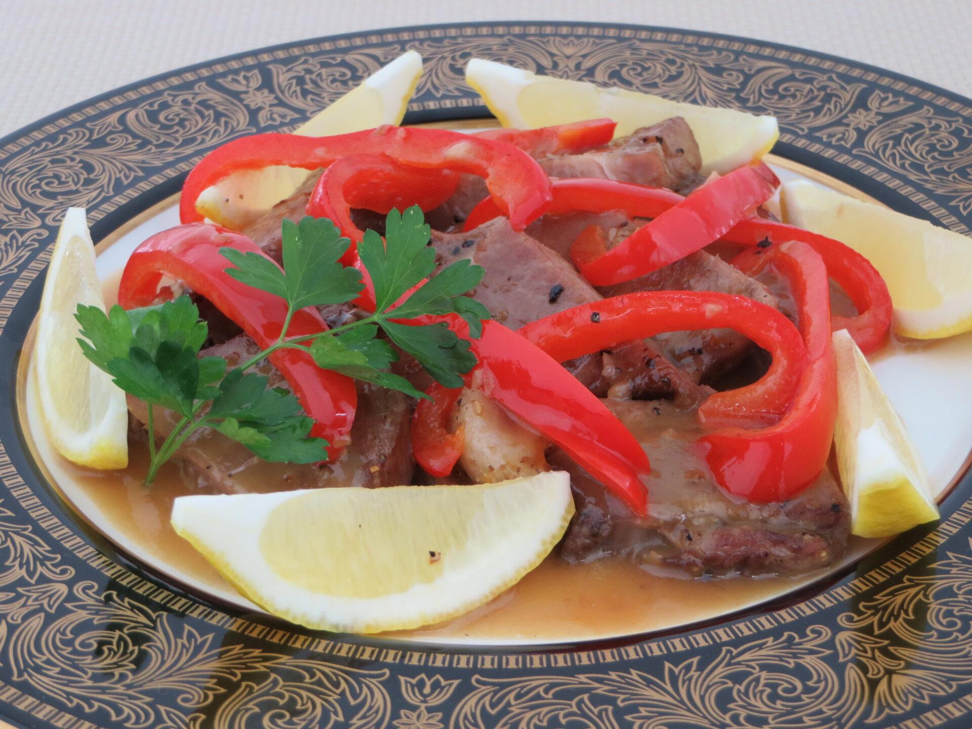 豚肉と赤いピーマンの蒸し煮 【ポルトガル共和国】